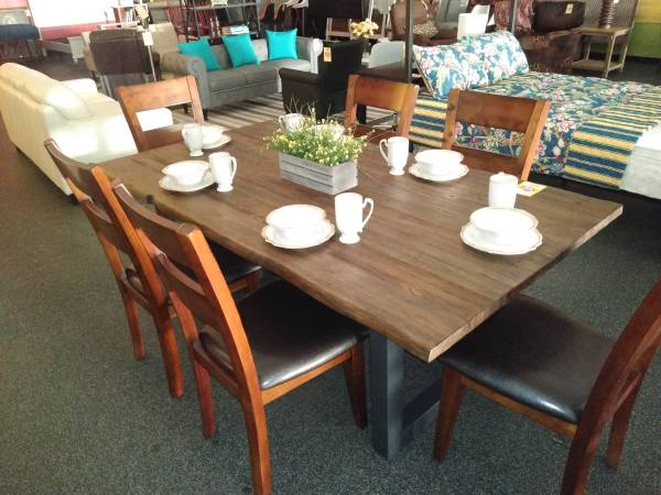 Photo GREAT BUYS ON NEW FURNITUREFROM - $199 (WEST CHESTER)