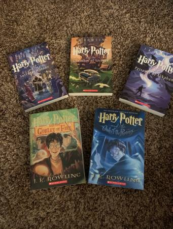 Photo Harry Potter Book collection - $40