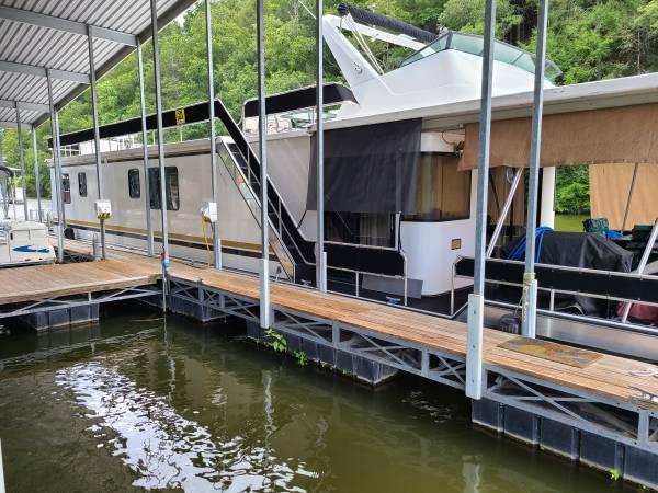 Photo Houseboat 1990 Sumerset 16 x 70 ft. - $149,000 (Watts Bar Lake Harriman Tn)