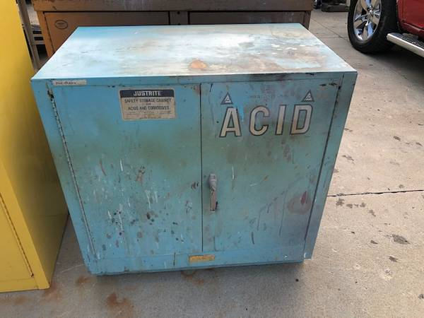 Photo Justrite 25702 Safety Acid Corrosion Cabinet 22 Gallon - $175 (Shandon Ohio)