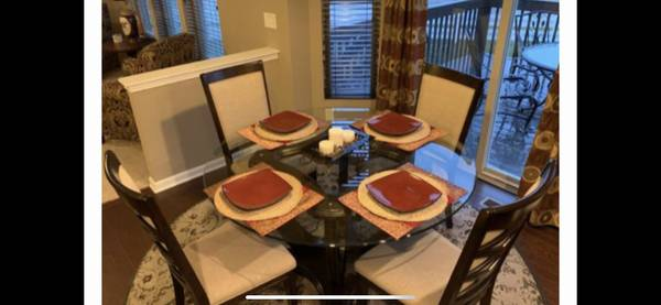 Photo Kitchen Table  Chairs - $595 (N Ky)