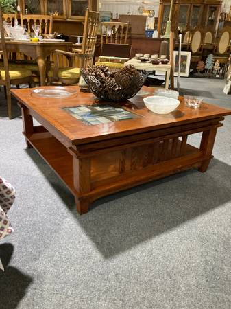 Photo Mission Style Solid Wood Coffee Table - $225 (West Chester)