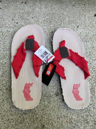 Photo NEW Ohio State Distressed Flip Flops. Mens 910. Brand new with tags. - $10 (Mason)