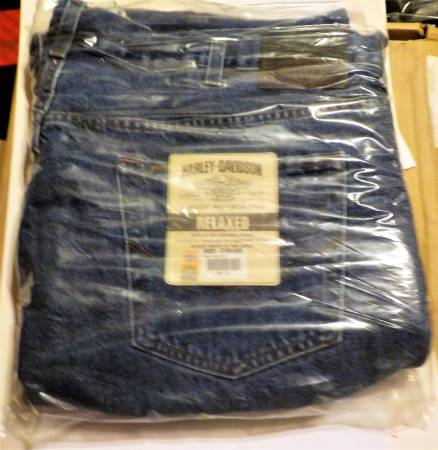 Photo New In Pack Harley Davidson Relaxed Blue Jeans - $20 (Cincinnati)