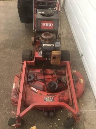 Photo Toro 48 Commercial Mower T-Bar - $450 (Deer Park)