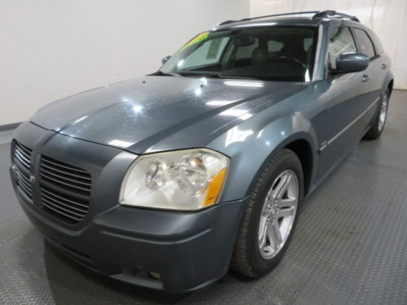 Photo Used 2005 Dodge Magnum RT for sale