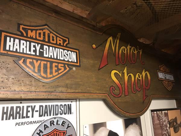 Photo Vintage Harley sign - $2,000 (St leon)