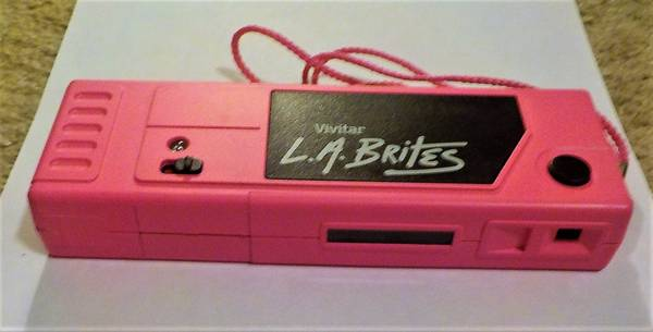 Photo Vintage Vivitar L.A. Brites Pocket Camera-(Hot Pink) - $20 (Cincinnati)