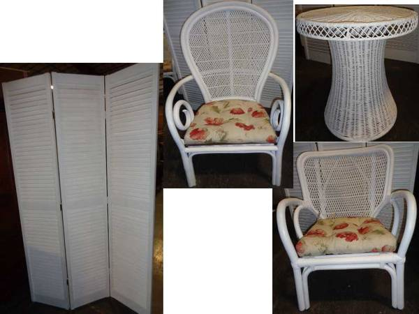 Photo White Wicker Furniture - Chairs, Side Table,  a wood louvered Screen - $100 (Florence, KY NKY)