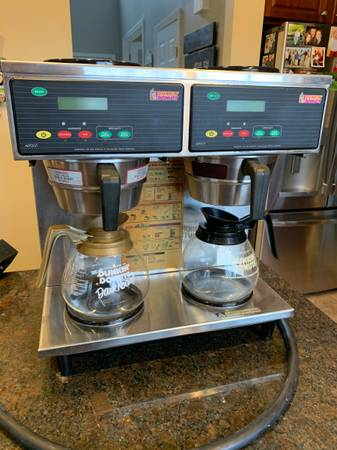 Photo Wilbur Curtis - Dual Station Commercial Coffee maker - $275 (Liberty Township)