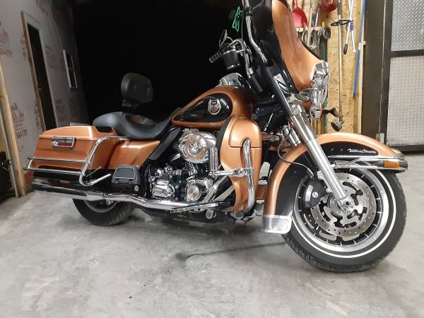 Photo 2008 Harley Davidson 105th anniversary Ultra Classic - $10,500 (Bell Buckle tn)