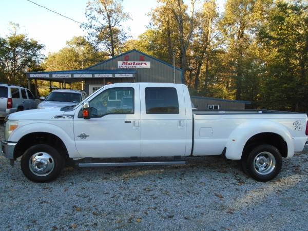 Photo 2011 Ford F350 Lariat CREW ( 6.7L  Diesel ) DUALLY  4X4  NO RUST - $16,900 (Hickory www.ckmotorsky.com)