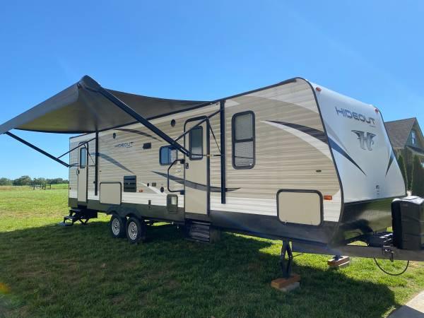 Photo 2018 Keystone Hideout 28BHSWE - $30,000 (Clarksville)