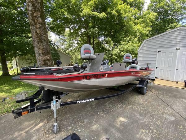 Photo Bass Tracker Proteam 175 - $11,500 (Clarksville)