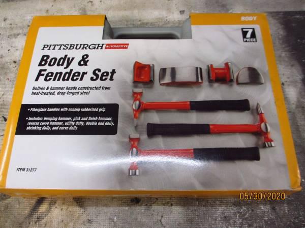 Photo Body  Fender 7 Piece Set - $25 (Clarksville)