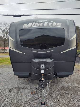 Photo Brand NEW 2021 Rockwood MINI LITE 2109S by Forest River - $22,917 (www.weekendrvcenter.com Weekend RV Center)