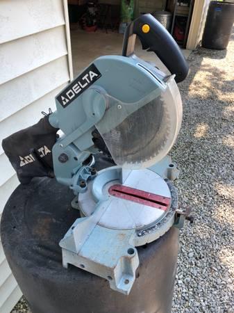 Photo Delta 10 inch miter saw - $75 (Evansville)