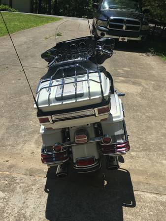 Photo Harley Ultra Classic - $10,000 (Dover)