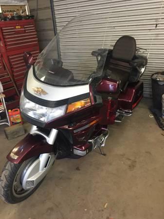 Photo Honda GL 1500 Goldwing OBO - $2,700 (Smyrna)