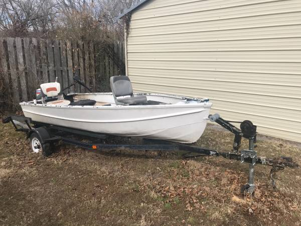 Photo Jon Boat with Trolling Motor - $1,000 (Madison TN)