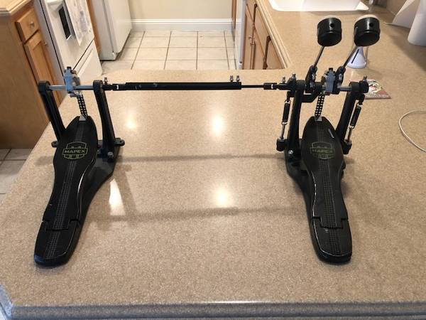 Photo MAPEX Armory chain drive double bass kick drum pedal with bag - $135 (paducah)