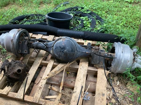Photo Meritor rear axle - $500 (Clarksville)