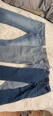 Photo New Levis  Wrangler Mens Jeans - $30 (Clarksville)