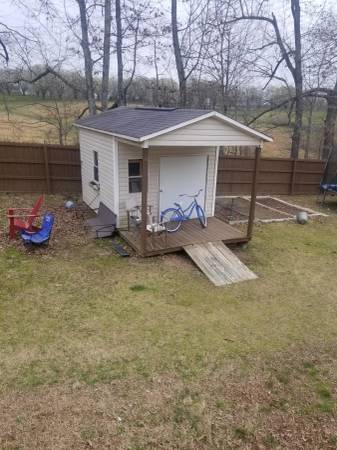 Photo Small storage building - $1350 (dickson tn)
