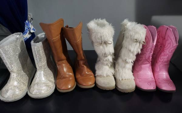 Photo Toddler Girl size 9 Boots (Tiny Town Rd Clarksville)