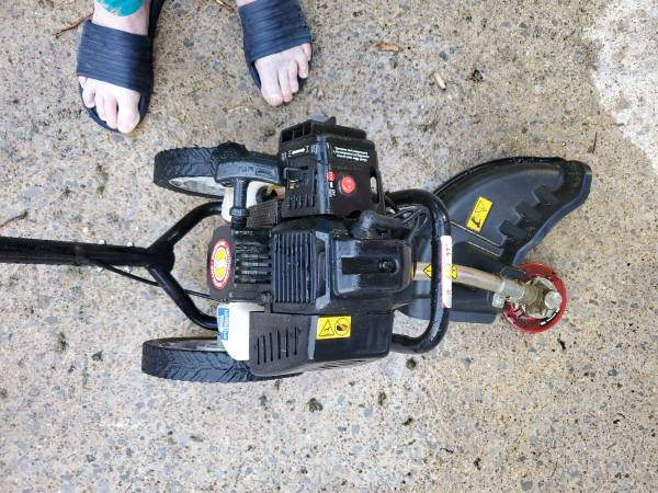 Photo Weed eater on wheels - $200 (Clarksville)