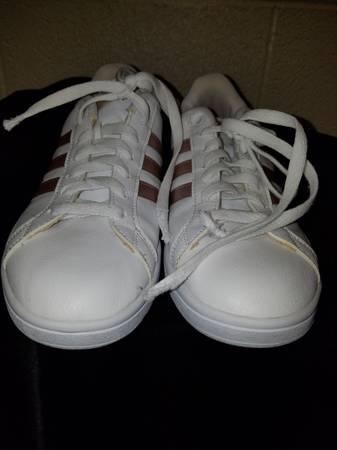 Photo Womens Adidas Cloudfoam Sneaker Sz 9 - $50 (Exit 4Clarksville)