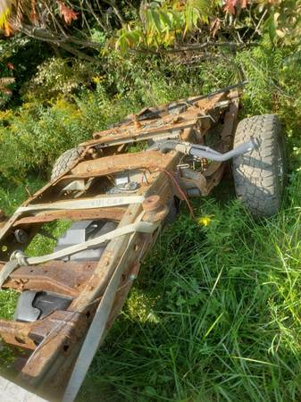 Photo 06 F250 FRAME WITH REAR STERLING 10.5 AXLE - $500 (COLUMBIA STATION)