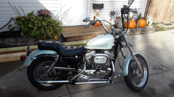 Photo 1990 Harley Davidson XL883 - $4,500 (Mentor on the lake)