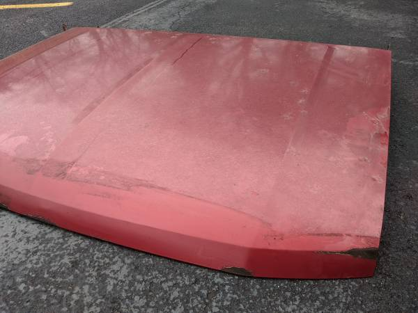 Photo 1992-1997 OBS FORD F150 F250 F350 HOOD - $50 (SOUTH EUCLID)