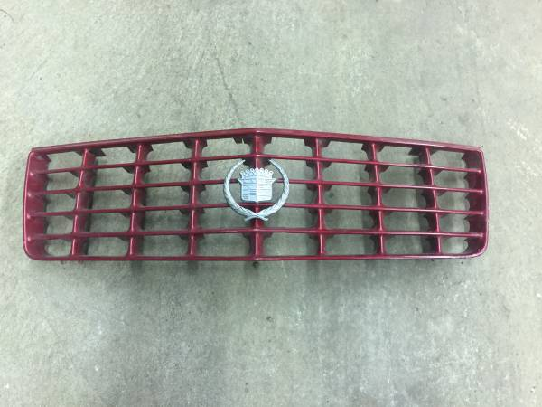 Photo 1992 1997 CADILLAC STS GRILLE NICE CONDITION - $25 (SOUTH EUCLID)