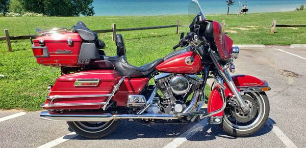 Photo 1993 HARLEY ULTRA CLASSIC - $8400 (WILLOUGHBY)