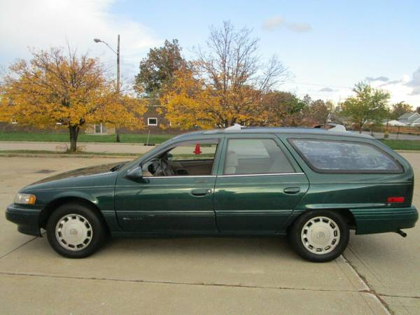 Photo 1995 Mercury Sable Wagon - 101K - Looks Good - Runs Good - Must See - $1,000 (Euclid)
