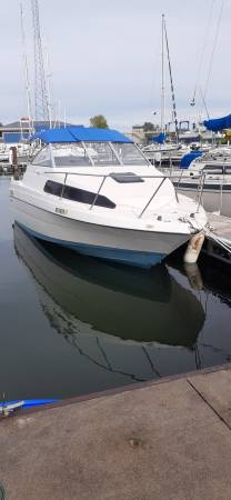 Photo 1996 Bayliner 23 FT with Trailer - $11,000 (Lorain)