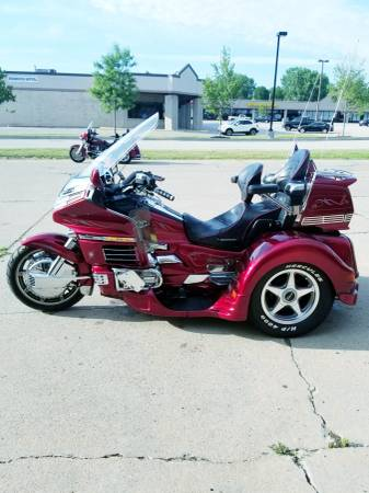 Photo 1997 Honda Goldwing GL 1500 Lehman Conversion Trike - $15,500 (Hinckley)