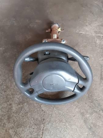 Photo 2003-05 Chevy CavalierPontiac Sunfire Steering Column - $120 (Cleveland)