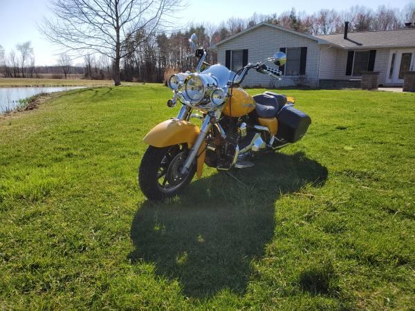 Photo 2005 Harley Davidson Road King - $9,300 (Grafton)