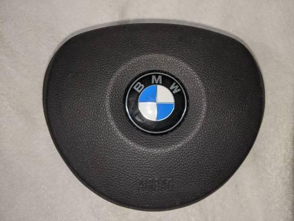 Photo 2006-2013 BMW 325I E90 E92 E93 BLACK STEERING WHEEL AIR BAG - $125 (SOUTH EUCLID)
