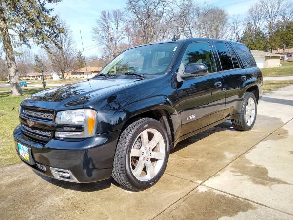 Photo 2007 Chevy Trailblazer SS Clean and Well Maintained - $16500