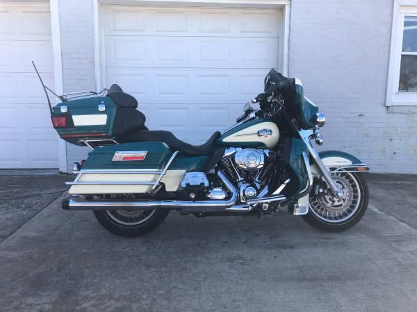 Photo 2009 Harley Davidson Ultra Classic FLHTCU - $9,995 (Fairport Harbor)