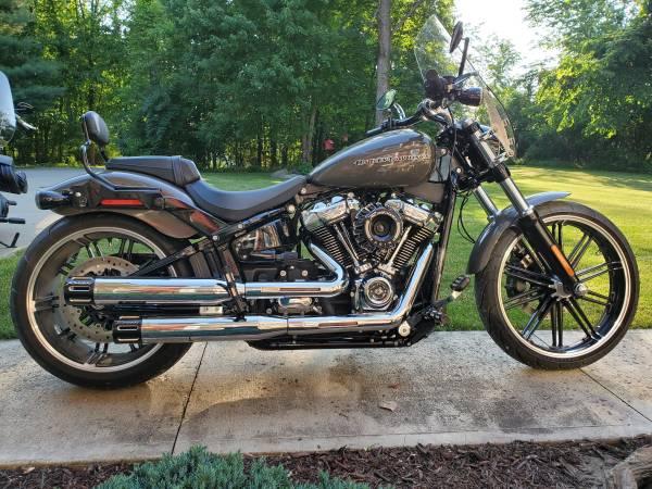 Photo 2019 Harley Davidson Breakout 117 wStage 4 Kit - $22,900 (Lodi)