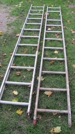 Photo 20 Foot Aluminum Extension Ladder - $65 (North Olmsted)