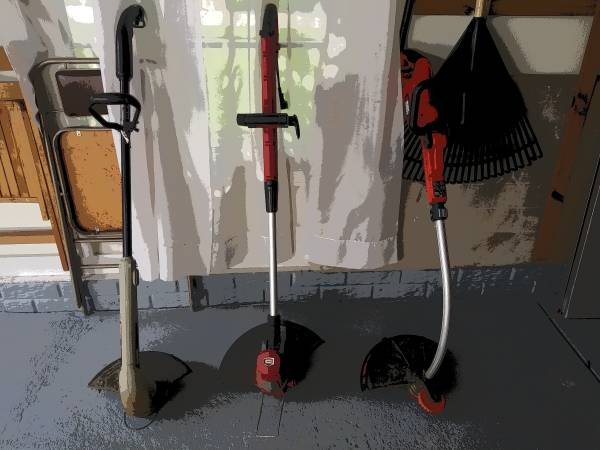 Photo 3 each Electric weed wackers.Two craftsman one black  Decker.13 inch. - $10 (Strongsville)