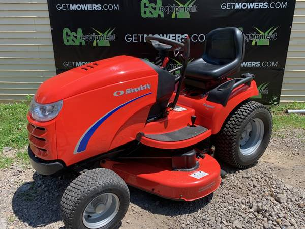 Photo 50IN SIMPLICITY CONQUEST RIDING LAWN TRACTOR CLEAN ONLY $60 A MONTH - $2,500 (Barberton)