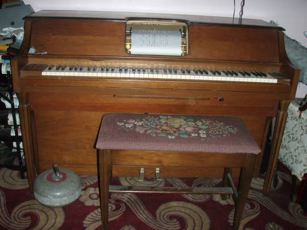 Photo Aeolian Pianolo Player piano, electric with rolls - $700 (cleveland)