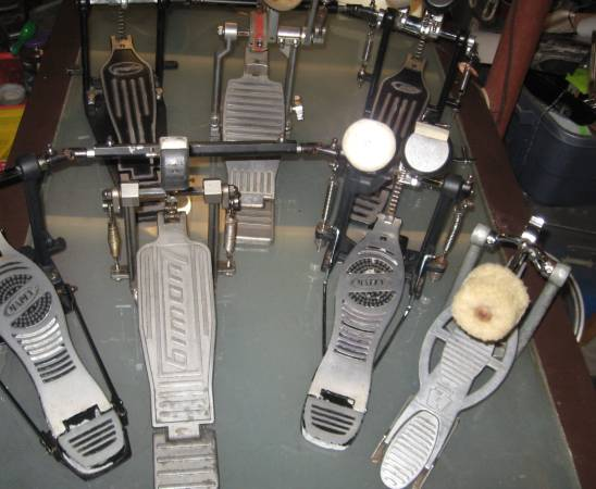 Photo Bass drum kick pedals. Singles, doubles, Ludwig, Mapex, PDP. Pearl. (Cle West)